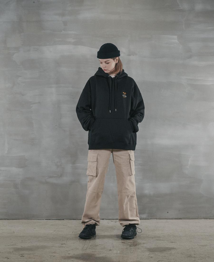 4374_model_black_04_uk.jpg