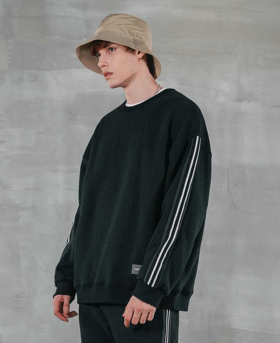 4368_model_black_02_uk.jpg