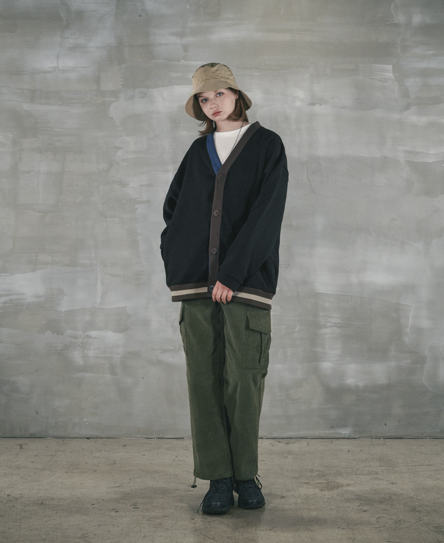 4378_model_black_04_uk.jpg