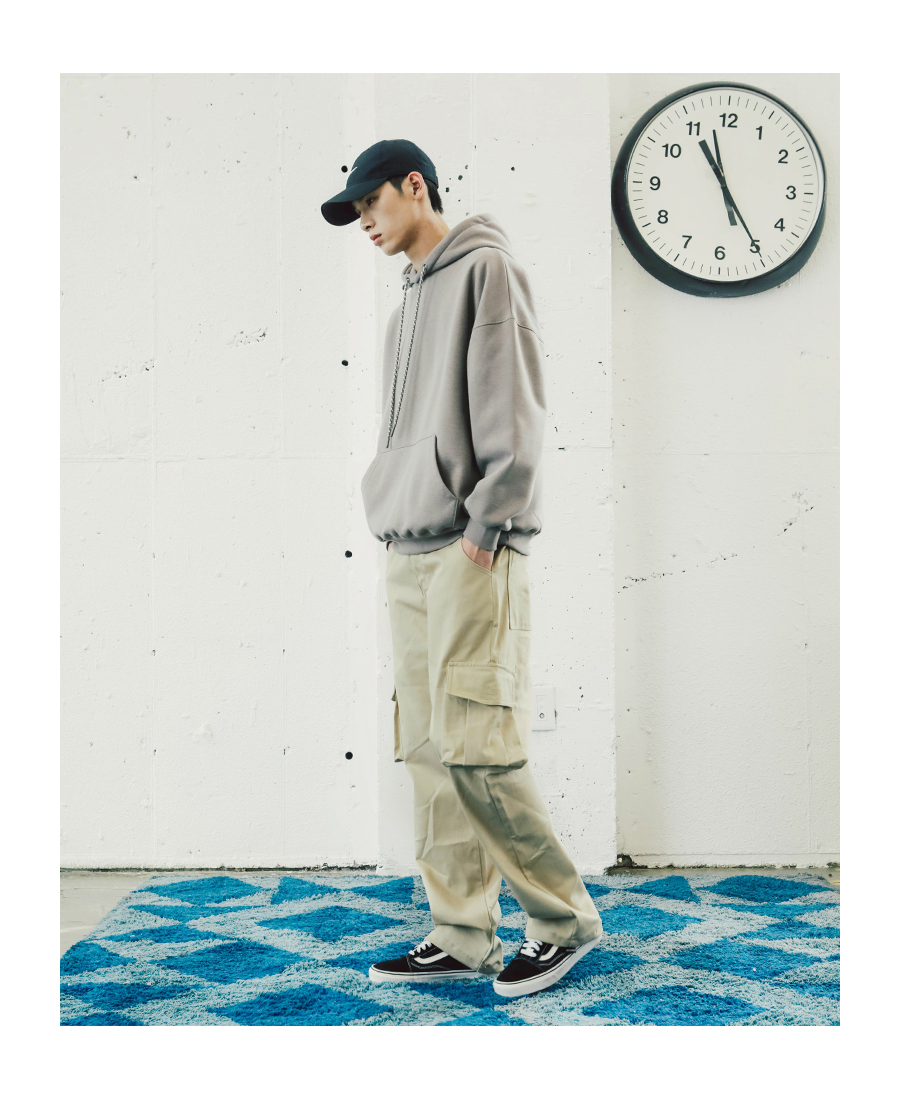 20181017_youth_wide_cargo_pants_model_yh_02.jpg