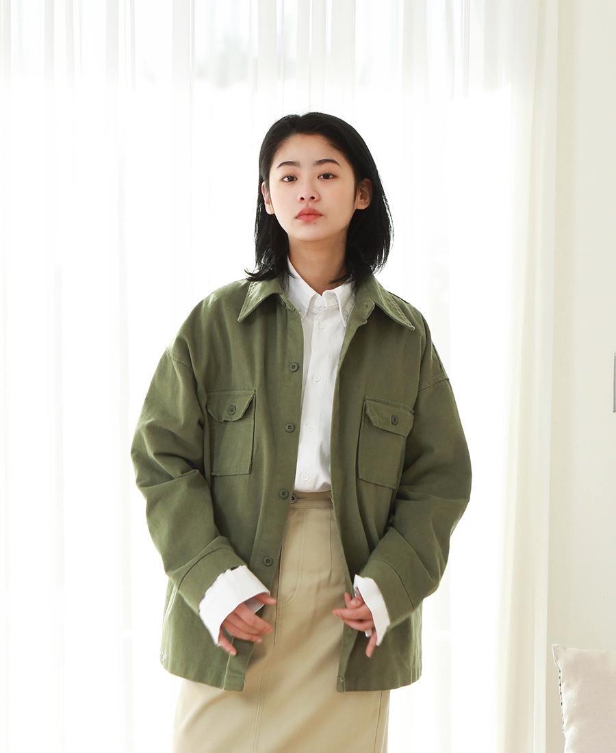 20190129_big_pocket_shirts_model_kj_06.jpg