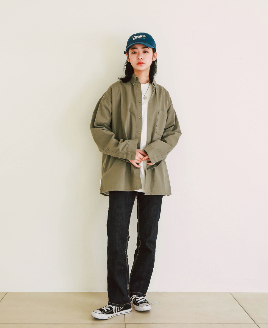 20190207_jennie_overfit_shirts_model_yh_15.jpg