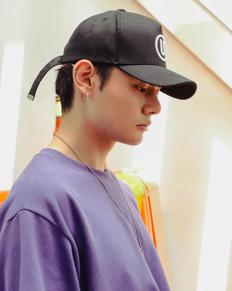 20180516_ub_truckerballcap_model_sy_06.jpg
